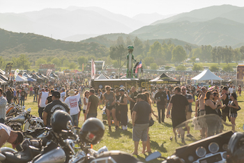 Bikes and crowd at Lost Highway 2015