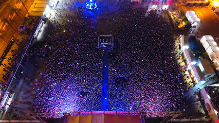 Aerial photo of Las Rageous crowd