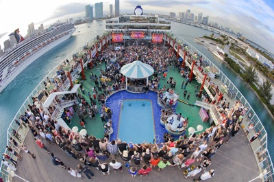 ShipRocked guests on the Norwegian Pearl deck